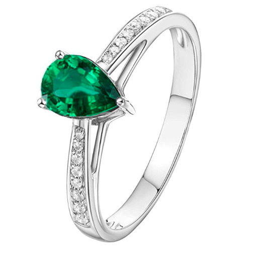 AmDxD Jewelry Engagement Rings 18K Gold Teardrop Emerald Rings. Image via Amazon.