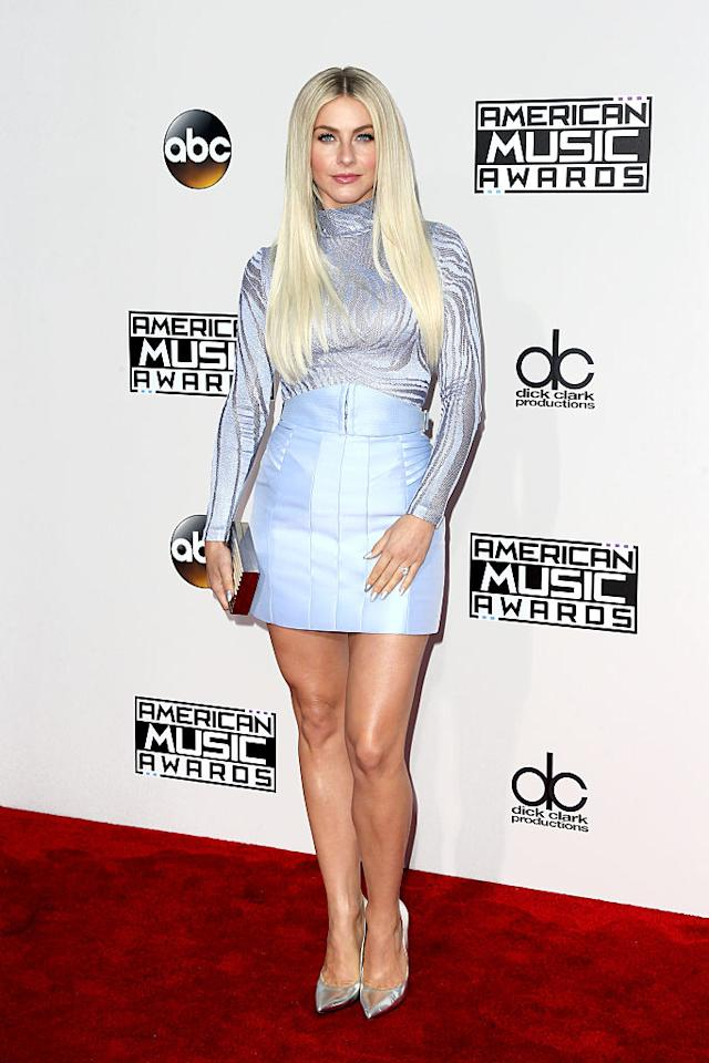 <p>Julianne Hough seemed to take fashion inspiration from Elsa from <em>Frozen</em> with her ice blue ensemble and straight platinum blonde hair. <em>(Photo: Getty Images)</em> </p>