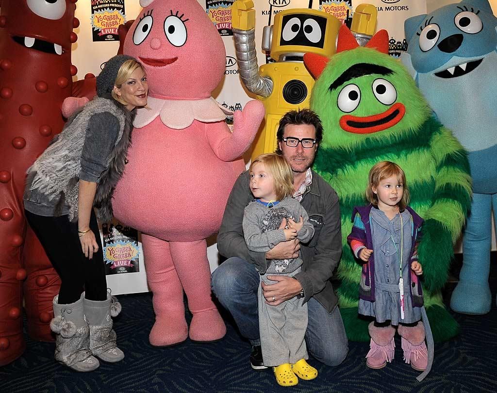"""Tori Spelling and Dean McDermott's tots Liam and Stella weren't shy about meeting their fave characters. """"Great evening!"""" tweeted Tori. """"We took the kids to see Yo Gabba Gabba Live at Nokia w/ Grandma too (who's now a Gabba fan!)"""" Charley Gallay/<a href=""""http://www.wireimage.com"""" target=""""new"""">WireImage.com</a> - November 26, 2010"""