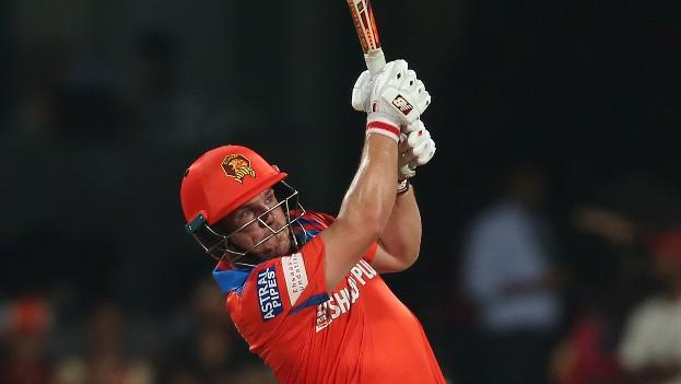 Match Blog: Finch Scores 50 Off 22 Balls; Gujarat Need 48 From 61
