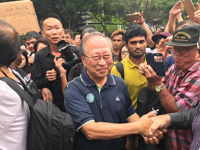 Tan Cheng Bock Gets Mobbed By Protesters At # ...