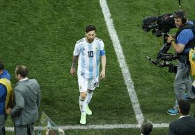 Mentally and emotionally burned out, Lionel Messi crumbles under the burden of carrying Argentina at the World Cup