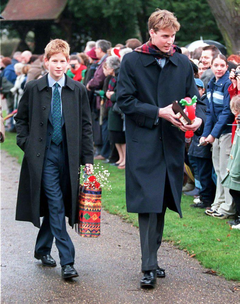 Prince Harry and Prince William in 1998 | UK Press via Getty