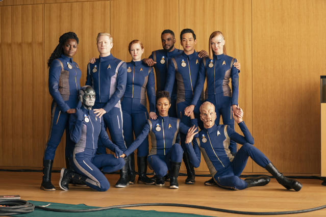 The surviving crew members of Season 1 of <em>Star Trek: Discovery</em>. (Photo: Jan Thijs/CBS Interactive)