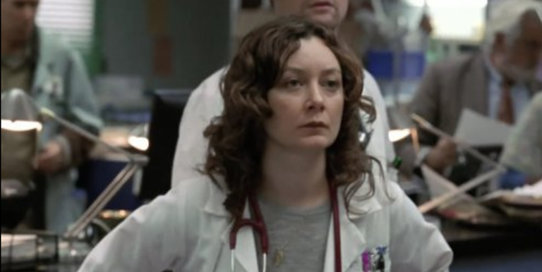 <p>The former <em>Rosanne </em>star joined the ranks at County General, where she played the sarcastic medical student Jane Figler from 2004 until 2007.</p>