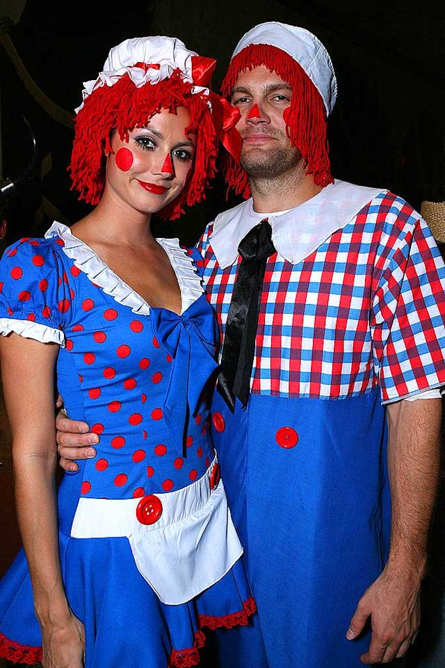 "How did female wrestler Stacy Keibler convince her actor beau Geoff Stults to go as Raggedy Andy? He must be a man in love. Alexandra Wyman/<a href=""http://www.wireimage.com"" target=""new"">WireImage.com</a> - October 31, 2007"