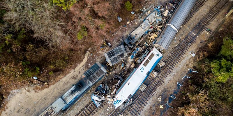 Smoke, blood, chaos: Passengers call 911 after train crash
