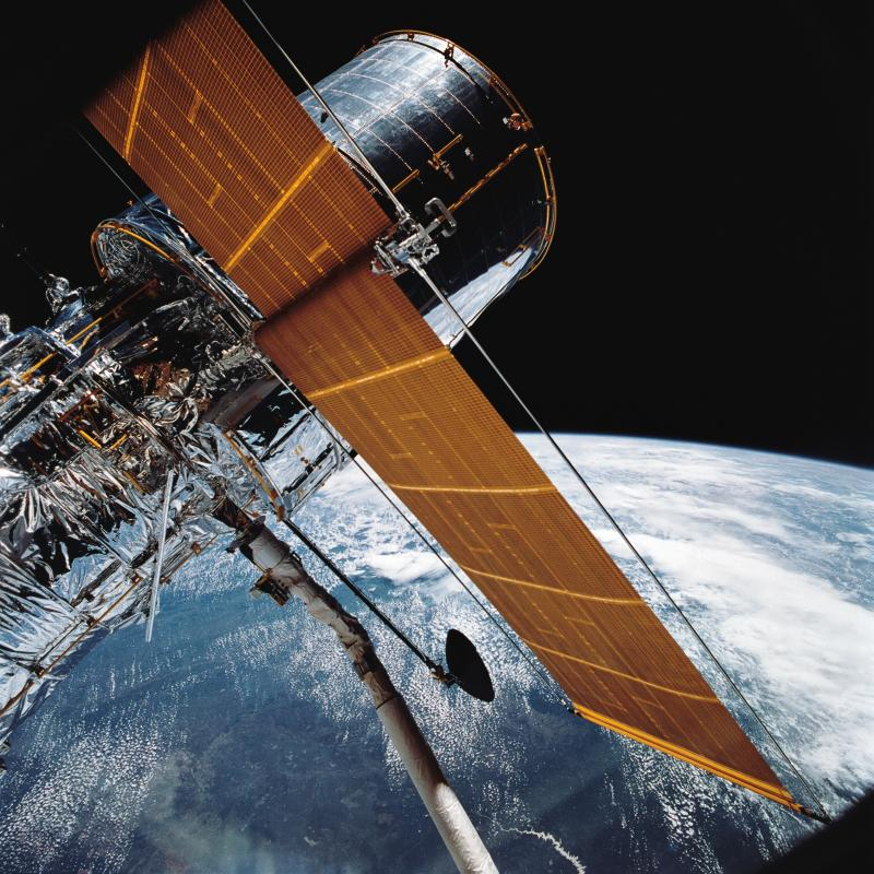 Hubble Telescope Stops Collecting Data After Mechanical Fault