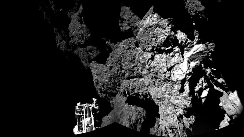 Possible Signs of Alien Life on Comet: Philae Lander Detects Promising Features on Comet 67P
