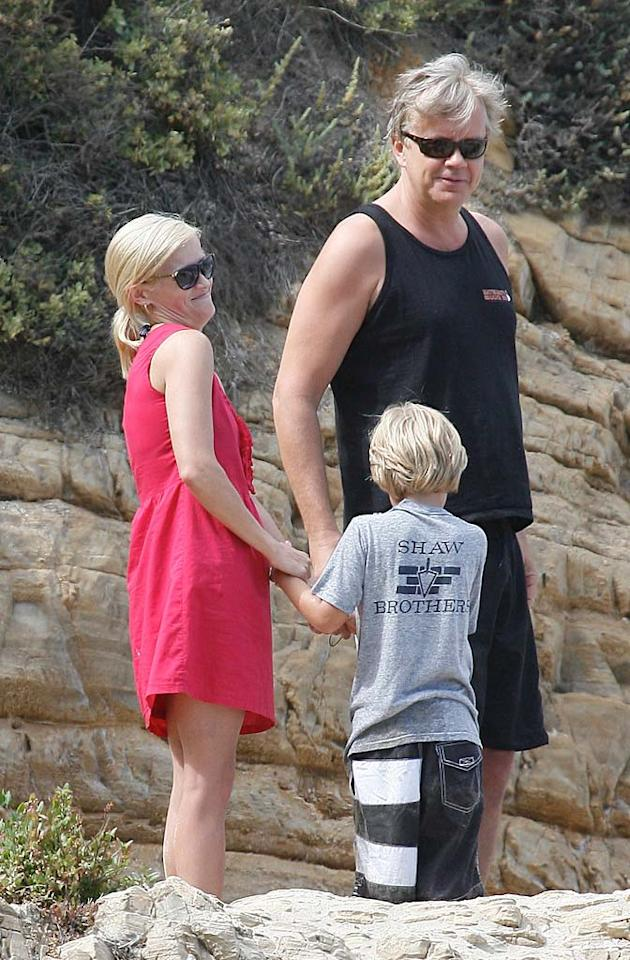 """Four Christmases"" cutie Reese Witherspoon soaked up some rays at a beach-front Fourth of July bash with her son, 6-year-old Deacon, and actor/director Tim Robbins. Seb/<a href=""http://www.x17online.com"" target=""new"">X17 Online</a> - July 4, 2010"