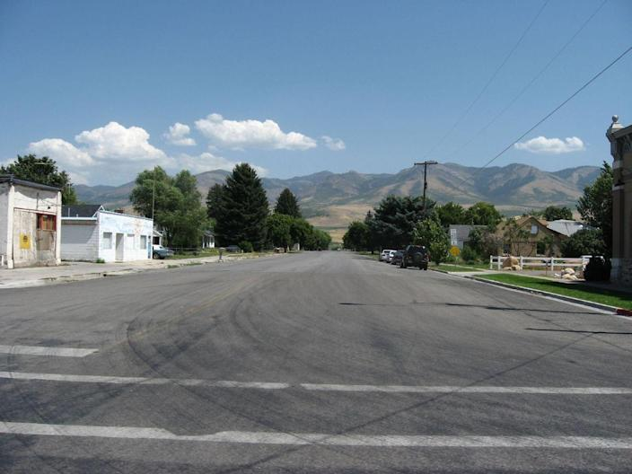 """<p><strong>Established in:</strong> 1860</p><p>Franklin was founded by Mormon pioneers in the <a href=""""https://idahohighcountry.org/item/franklin-historic-district"""" rel=""""nofollow noopener"""" target=""""_blank"""" data-ylk=""""slk:spring of 1860"""" class=""""link rapid-noclick-resp"""">spring of 1860</a>. As early settlers began building cabins and farming, they believed they were still in Utah. It wasn't until 1872 that an official boundary survey placed a border between the two states. </p>"""
