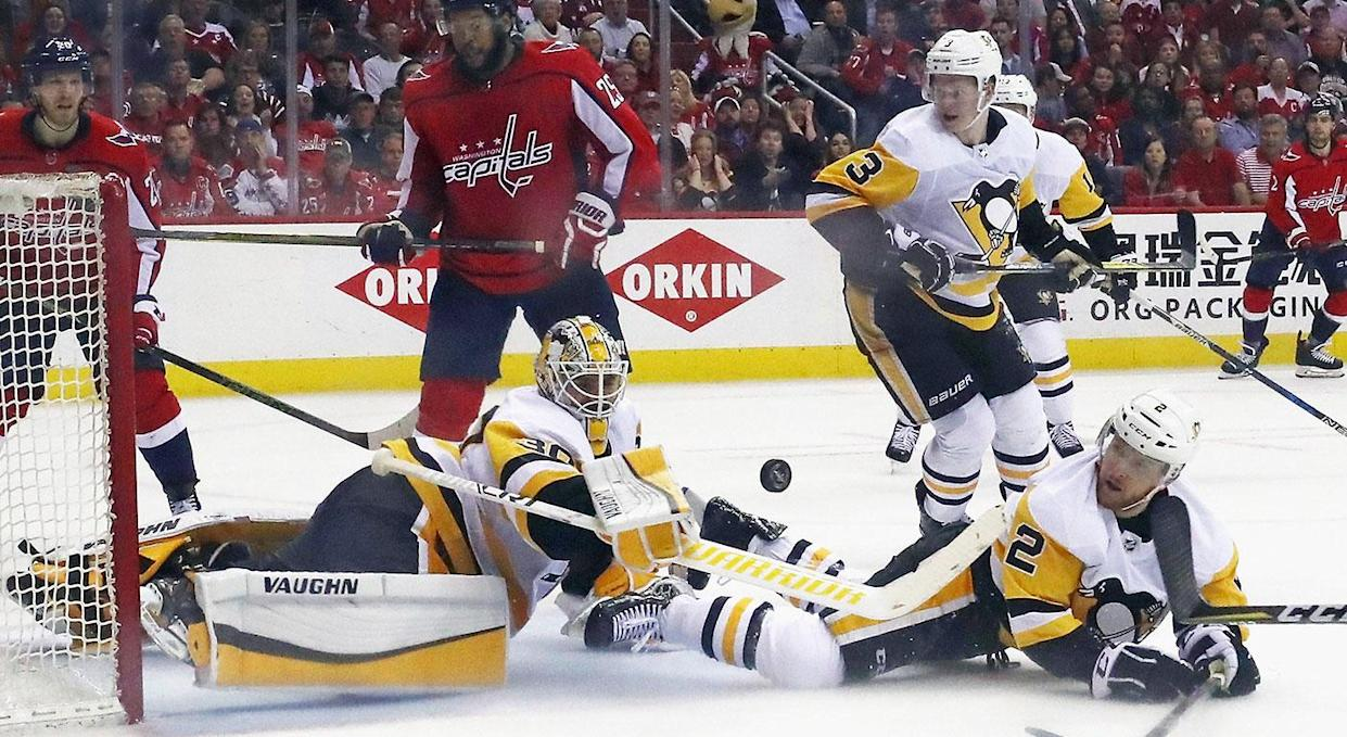 Matt Murray saves Pittsburgh's bacon with a spectacular blocker save. (Photo by Bruce Bennett/Getty Images)