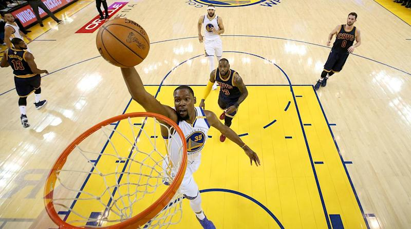Warriors Blow Out Cavaliers 113-91 In Game 1 Of NBA Finals