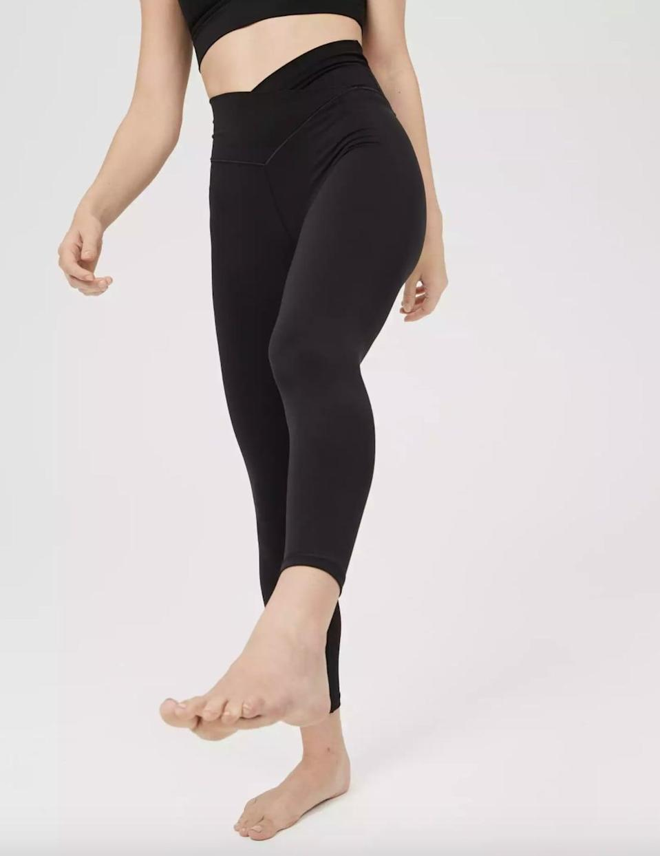 """<p>""""These <span>OFFLINE Real Me High Waisted Crossover Leggings</span> ($45) are the ones from Aerie that <a href=""""https://www.popsugar.com/fitness/best-crossover-leggings-48101427"""" class=""""link rapid-noclick-resp"""" rel=""""nofollow noopener"""" target=""""_blank"""" data-ylk=""""slk:everyone has been talking about on social media"""">everyone has been talking about on social media</a>, especially on TikTok. They live up to the hype for sure: they're super comfortable, flattering, buttery-smooth, and great for workouts."""" - Sam Brodsky, assistant editor, Fitness</p>"""