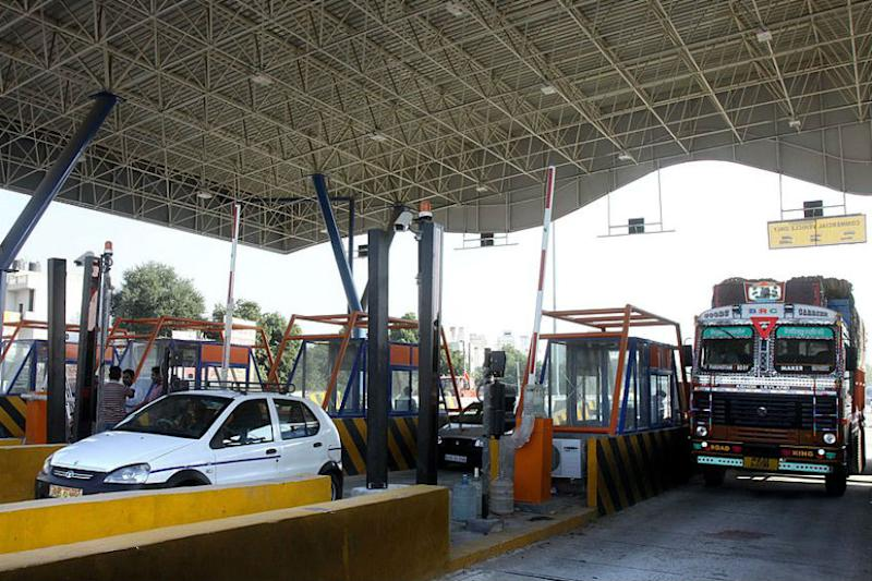 Electronic Toll Tax Collection Tool FASTag Becomes Mandatory from December 1; Here's All You Need to Know
