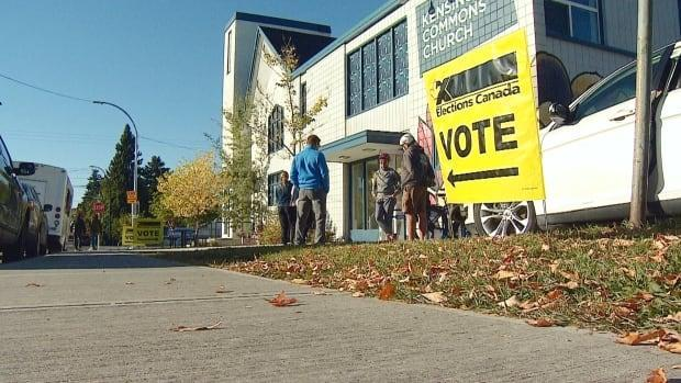 A polling station in northwest Calgary on Monday morning.  (Mike Symington/CBC - image credit)
