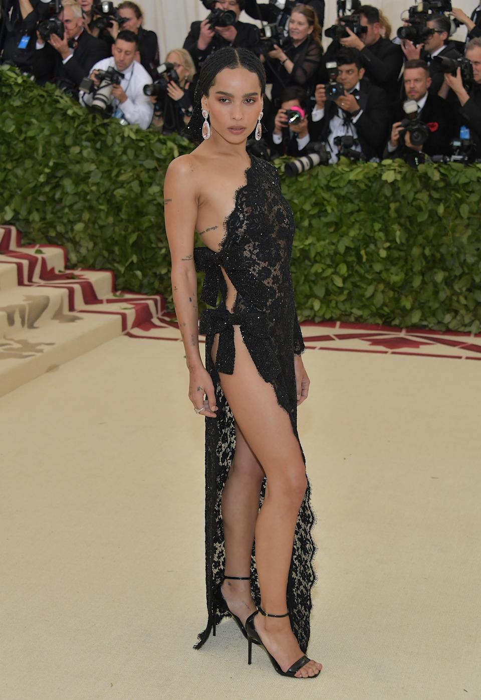 """<h1 class=""""title"""">Zoë Kravitz in Saint Laurent by Anthony Vaccarello</h1><cite class=""""credit"""">Photo: Getty Images</cite>"""
