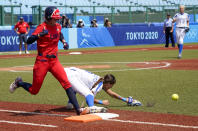 United States' Aubree Munro, left, makes it safely to the base as Italy's Marta Gasparotto drops the ball during the softball game between Italy and the United States at the 2020 Summer Olympics, Wednesday, July 21, 2021, in Fukushima, Japan. (AP Photo/Jae C. Hong)