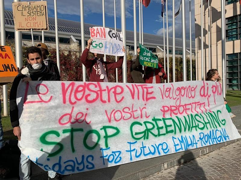 "Presidio Fridays for Future a Ecomondo: ""Stop greenwashing"""