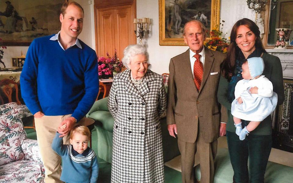 The Duke and Duchess of Cambridge with the Queen and Prince Philip and Prince George and Princess Charlotte in a 2015 photo taken at Balmoral - The Duchess of Cambridge