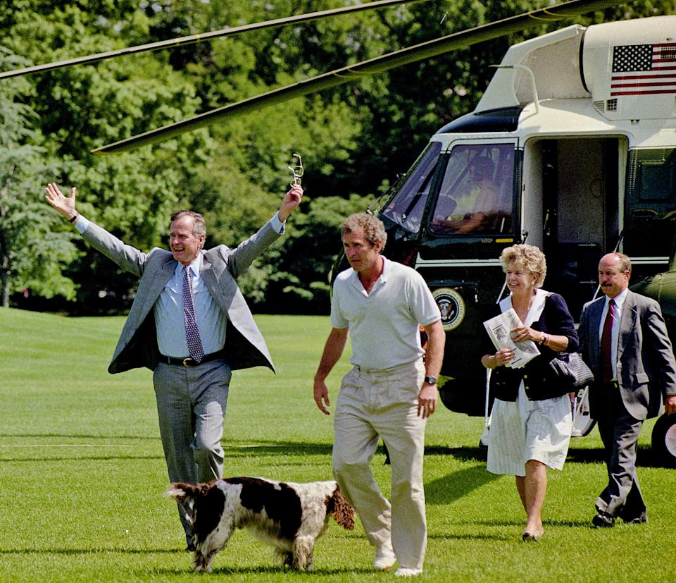 President George H.W. Bush returns to the White House from Camp David, via Marine One, and lands on the South Lawn in Washington, D.C., on June 28, 1992.