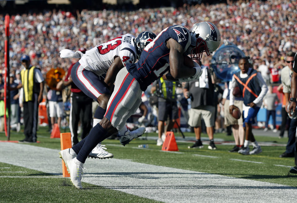 Brandin Cooks hauls in a game-winning touchdown for the Patriots in one of the highlight games of Week 3. (AP)