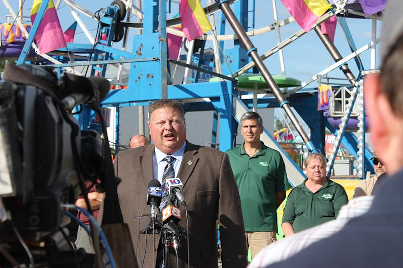 Federal ferris wheel inspectors, 6-year-old still critical