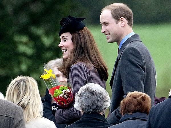 <p>Kate and William accepted flowers from well-wishers.</p>
