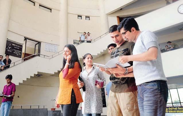 <p>Placements for this year in IIT-K started on December 1 and will continue till December 15. In IIT-Delhi,</p>