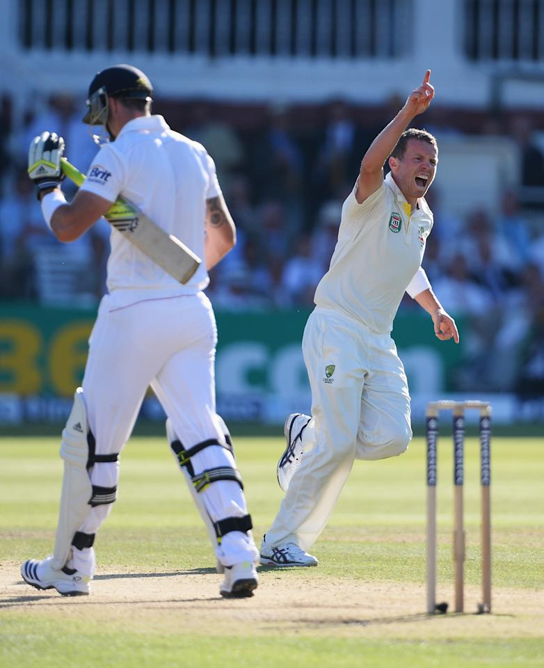 LONDON, ENGLAND - JULY 19: Peter Siddle of Australia celebrates the wicket of Kevin Pietersen of England during day two of the 2nd Investec Ashes Test match between England and Australia at Lord's Cricket Ground on July 19, 2013 in London, England. (Photo by Mike Hewitt/Getty Images)