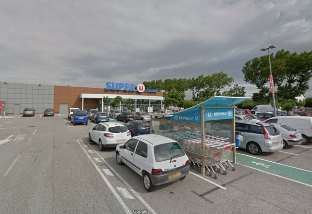 Picture of the Super U supermarket inTrèbes, France, where Friday's hostage situation is reportedly unfolding.