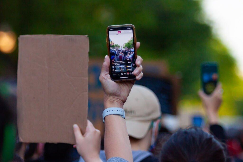 Going to a Protest? Here's How to Protect Your Digital Privacy