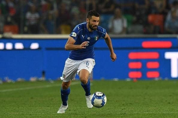 Chelsea manager Antonio Conte plans summer swoop for Inter Milan's Antonio Candreva