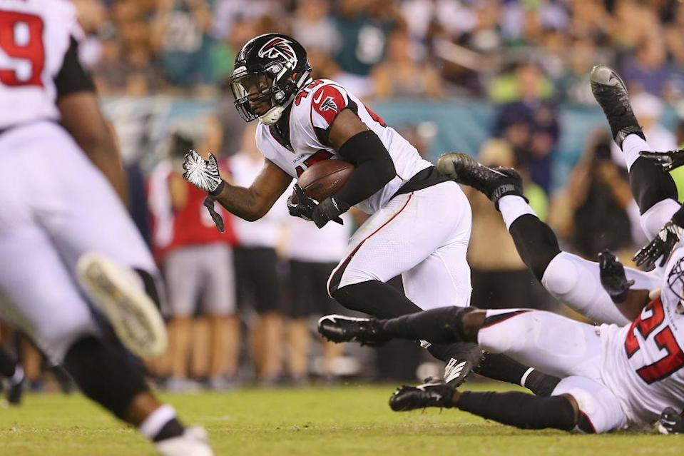 The Falcons' Deion Jones will be placed on IR. (Getty)