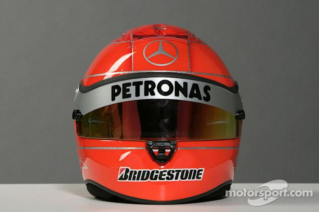 "Casco de Michael Schumacher <span class=""copyright"">Mercedes GP Petronas Formula One Team</span>"