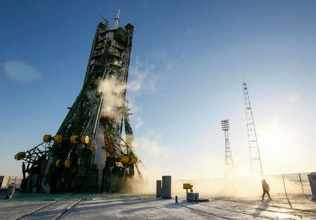 The Soyuz MS-07 spacecraft rests on its launchpad shortly before the blast off with International Space Station (ISS) crew members Norishige Kanai of Japan, Anton Shkaplerov of Russia and Scott Tingle of the U.S. at Baikonur Cosmodrome, Kazakhstan December 17, 2017.  REUTERS//Shamil Zhumatov