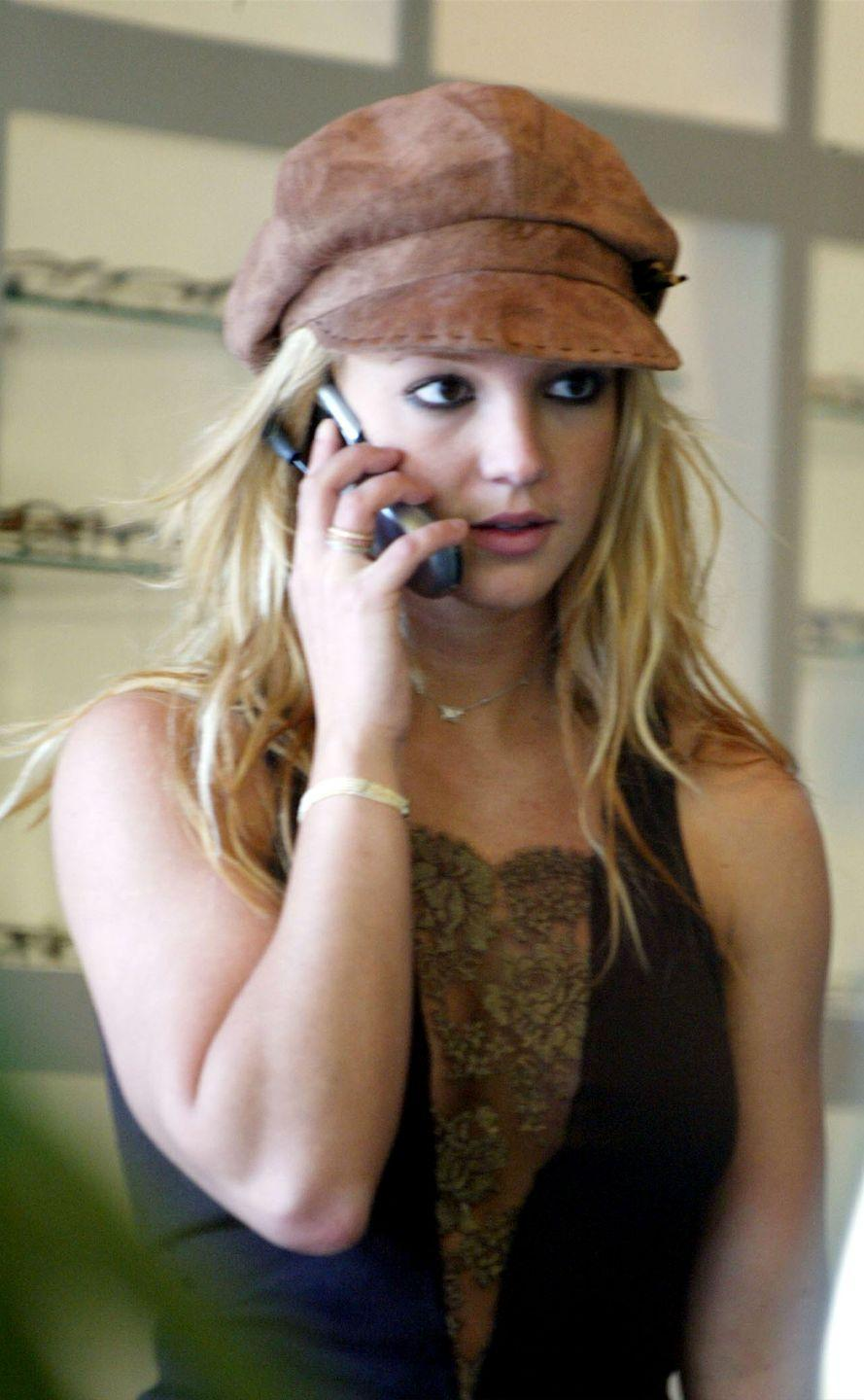 <p>This is literally 2003 calling, asking for its hat back.</p>