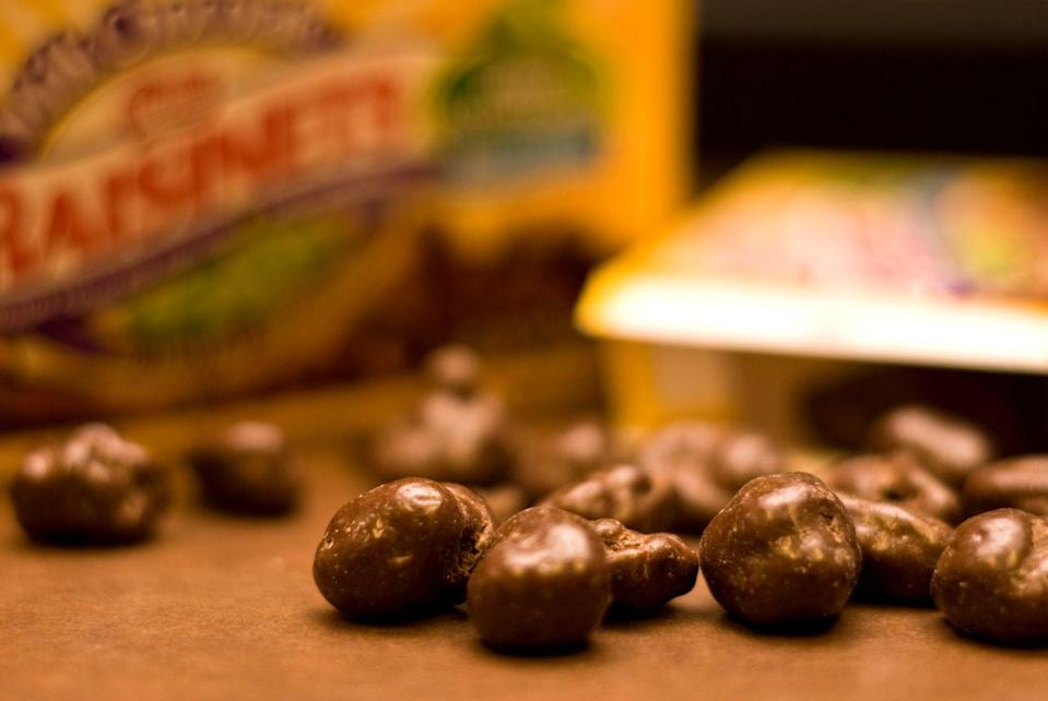 <p>Chocolate-covered raisins are fairly healthy compared to most movie theater snacks, and they still manage to taste amazing. The box even advertises them as a source of antioxidants but...let's not get carried away, Nestlé.</p>