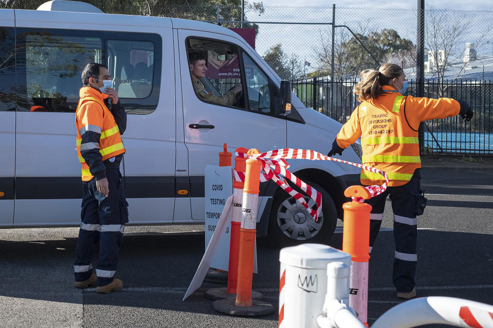 Army staff arriving at a COVID-19 test site in Fawkner, Melbourne, on Wednesday. Source: Getty Images