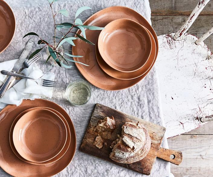 "<a href=""https://fave.co/3bRNiNl"" rel=""nofollow noopener"" target=""_blank"" data-ylk=""slk:Food52"" class=""link rapid-noclick-resp"">Food52</a> is known for curated tableware, cookware and kitchen accessories. You'll find one-of-a-kind Southwestern-influenced items such as <a href=""https://fave.co/3maqe2g"" rel=""nofollow noopener"" target=""_blank"" data-ylk=""slk:amber-hue glasses"" class=""link rapid-noclick-resp"">amber-hue glasses</a> and these <a href=""https://fave.co/33grW9A"" rel=""nofollow noopener"" target=""_blank"" data-ylk=""slk:ceramic plates"" class=""link rapid-noclick-resp"">ceramic plates</a>. <a href=""https://fave.co/3bRNiNl"" rel=""nofollow noopener"" target=""_blank"" data-ylk=""slk:Browse more from Food52"" class=""link rapid-noclick-resp"">Browse more from Food52</a> ."
