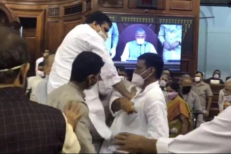Undeterred by Virus, Mask-donning MPs Thrown Out of Rajya Sabha Amid Bedlam over Farm Bills