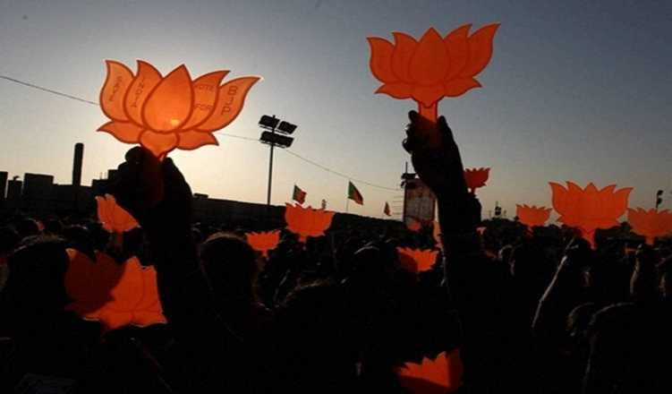 NDA continues to be well ahead of UPA in seat and vote share: survey
