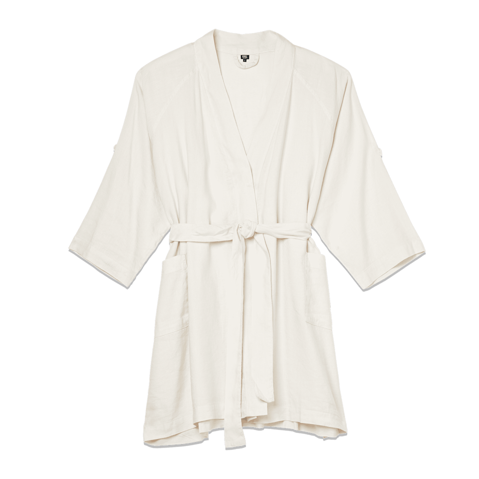 <p><span>The Everyday Linen Robe in Rice Pudding</span> ($88) </p>