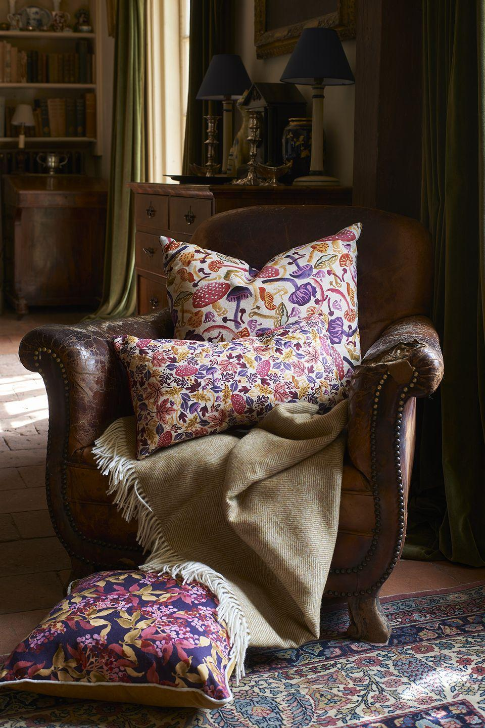 """<p>Spruce up your sofa with Emma Bridgewater's brand new collection of stylish velvet and linen cushions. Available in varying sizes, choose from an array of famous EB prints, such as the new Autumn Crocus, Oak or Butterflies range.</p><p><a class=""""link rapid-noclick-resp"""" href=""""https://go.redirectingat.com?id=127X1599956&url=https%3A%2F%2Fwww.emmabridgewater.co.uk%2Fsearch%3Fview%3Dspring%26q%3Dcushion&sref=https%3A%2F%2Fwww.housebeautiful.com%2Fuk%2Flifestyle%2Fshopping%2Fg37527696%2Femma-bridgewater-autumn-range%2F"""" rel=""""nofollow noopener"""" target=""""_blank"""" data-ylk=""""slk:SHOP CUSHIONS"""">SHOP CUSHIONS</a></p>"""