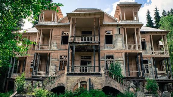 Exploring abandoned mansions on YouTube will fulfill the
