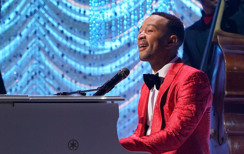 """John Legend sings during his 2018 Christmas special """"A Legendary Christmas with John & Chrissy."""" (Photo: NBC via Getty Images)"""