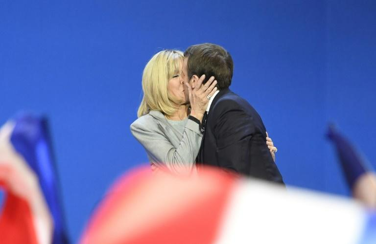The age gap between Emmanuel Macron and his wife Brigitte mostly draws shrugs in France, but much interest abroad