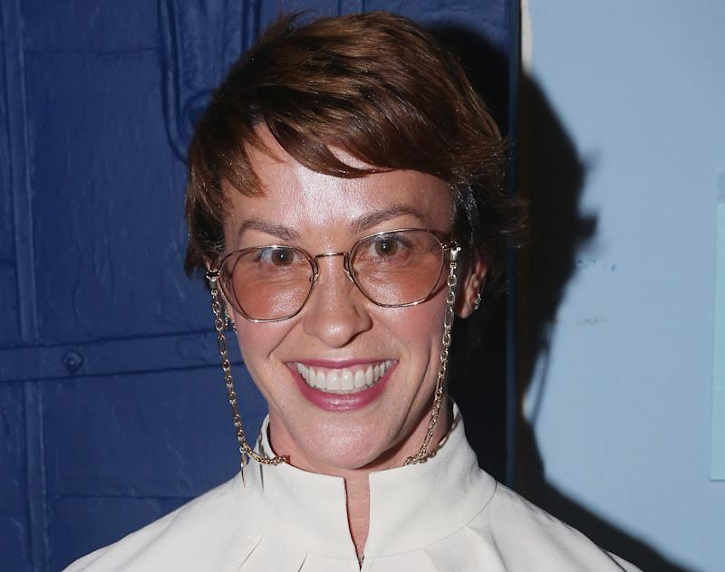 Alanis Morissette Looks Different With New Pixie Haircut