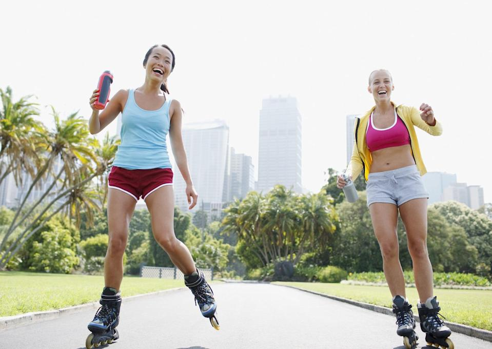 "<p>Because there are so many variations of roller skating and levels of intensity, the number of burned calories per workout can vary, <a href=""http://www.instagram.com/chelfuerte/"" class=""link rapid-noclick-resp"" rel=""nofollow noopener"" target=""_blank"" data-ylk=""slk:Chelsea Nauratan-Burgos"">Chelsea Nauratan-Burgos</a>, a NASM-certified personal trainer and women's fitness specialist, told POPSUGAR. ""If you're skating at moderate speed, you can burn about 250 calories in a 30-minute session; however, if you're speed skating, park skating, or dance skating, you can absolutely expect to see the calorie total higher."" Hour-long rides that are more intense can burn around 600 calories, Meikle added. Likewise, as your heart rate increases and you're burning more calories, your body will also begin to burn fat. </p>"