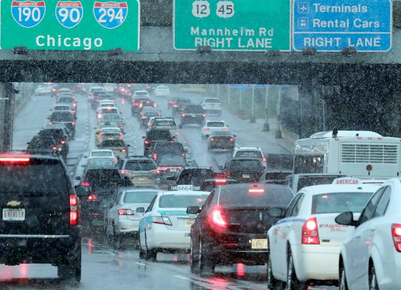 Heavy traffic on Interstate 190 near O'Hare International Airport in Chicago on Nov. 25, 2018. A winter storm is expected to dump snow across the Midwest, on one of the busiest travel days of the year.